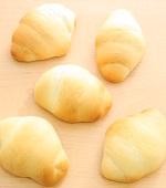 コンデンスミルクのロールパン
