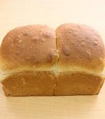 スペルト小麦の全粒粉食パン