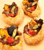 夏野菜の焼きカレーパン